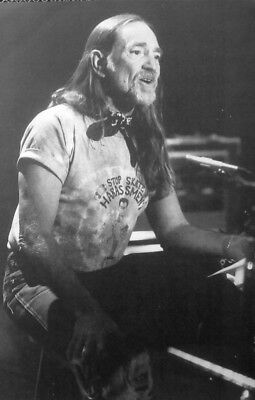 WILLIE NELSON Clipping  Stop Skateboard Harassment  T Shirt B&W Photo 1980s • 8.50£