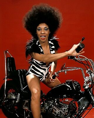 Betty Davis 10  X 8  Photograph No 5 • 3.50£