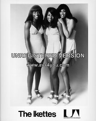 The Ikettes / Tina Turner 10  X 8  Photograph No 1 • 3.50£