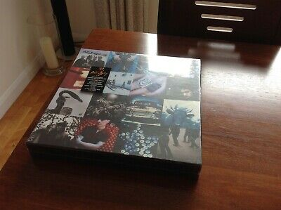 U2. Achtung Baby Limited Edition ( Box Set). • 200£