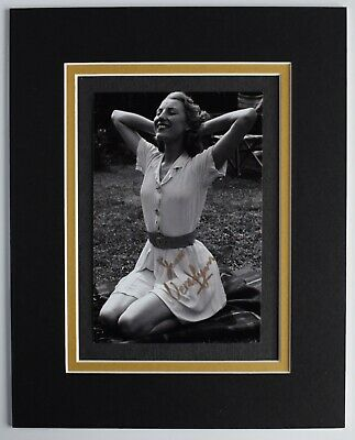 Vera Lynn Signed Autograph 10x8 Photo Display WW2 Music Forces Sweetheart COA • 29.99£