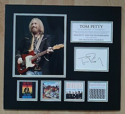 Tom Petty - Heartbreakers & Traveling Wilburys - Signed / Autographed Display • 275£