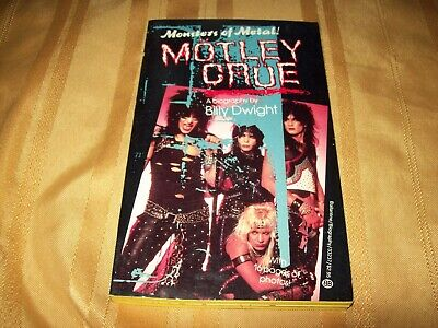 MOTLEY CRUE 1986 MONSTERS OF METAL BOOK By BILLY DWIGHT RARE! • 29.63£