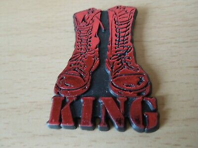 KING - Old OG Vtg 1980`s Shaped Glittered Plastic Pin Badge 3D Glittered Paul • 3.79£