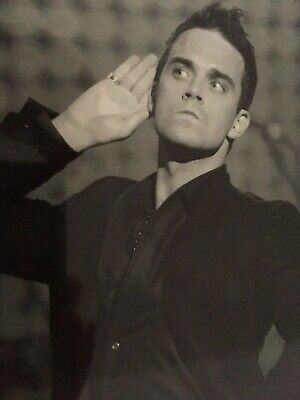 Robbie Williams - Take That Chart Topping Singer - Brilliant Unsigned Photograph • 5£