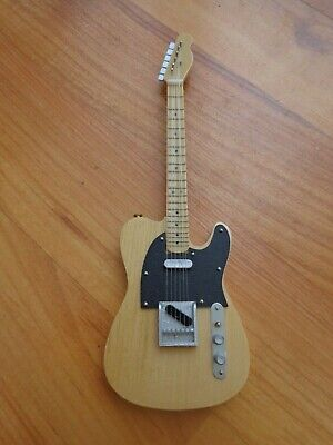 Atlas Editions - Bruce Springsteen Fender Telecaster Mini Guitar Replica Model • 27.99£