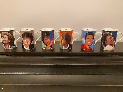 Cliff Richard Music Memorabilia 12x Mugs- Signed And Certificate Of Authenticity • 125£